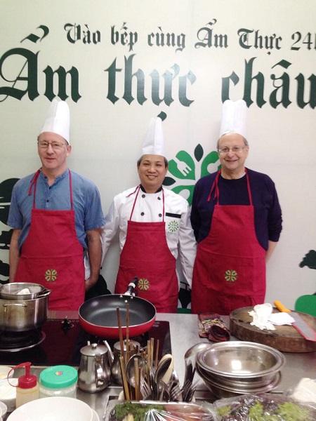 lớp học dạy nấu ăn cho người nước ngoài