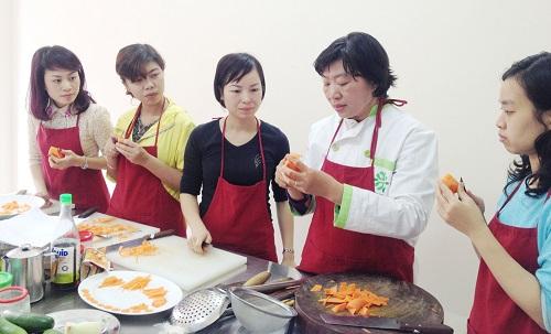 lớp học nấu món ngon ngày tết